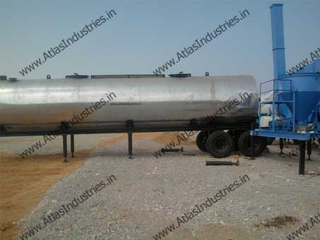 Portable asphalt storage tank