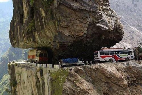 Karakoram-Highway-Pakistan