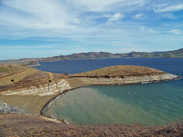 Some of the world 39 s largest dams for San luis reservoir fishing