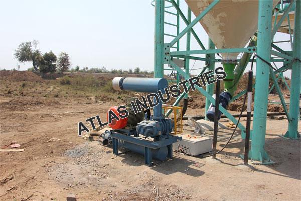 Mobile concrete plant with 60 tons cement silo supplier