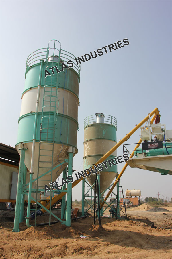 mobile batching plant working