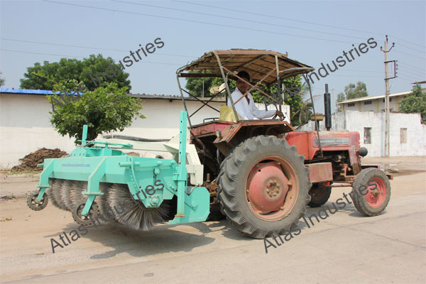 Hydraulic road sweeper installed in Nepal