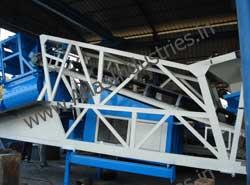 Foldable cabin of mobile concrete plant