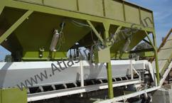 Gathering conveyor